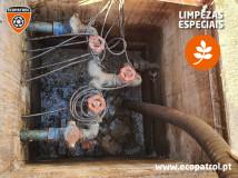 2020-12-03-limpezacaixaesgoto-01